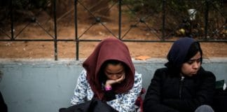 Девочка хотела отречься от матери-христианки, но сама уверовала