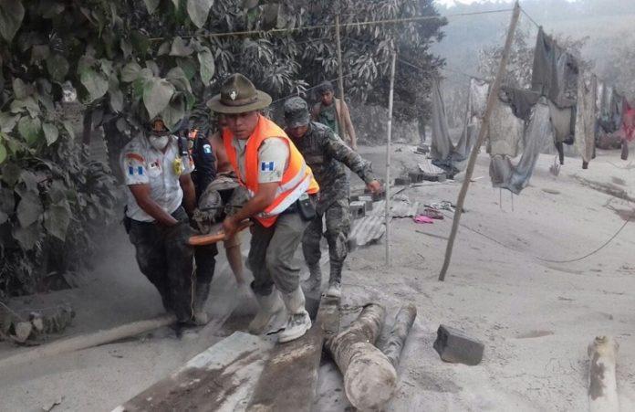Почти 70 человек стали жертвами извержения вулкана в Гватемале