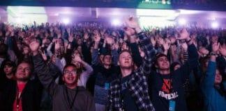 Молодежь Америки собрала около 450 000 долларов для перевода Библии на язык жестов